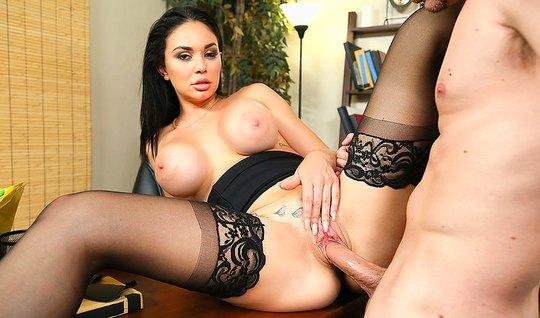 Сисястые секретарши порно видео